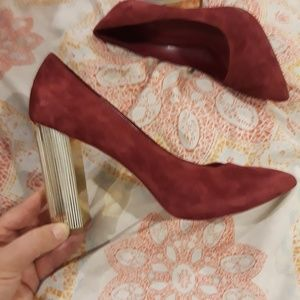 Michael Kors pumps maroonish red with gold heels